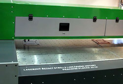 Laser cutting machine 3